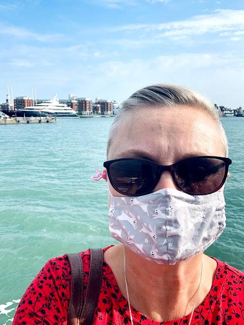madmumof7 wearing mask on Gosport Ferry