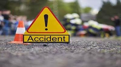 औरैया - road accident  हाईवे पर ट्रक और वैन में टक्कर, हादसे में 8 शिक्षकों की मौत।