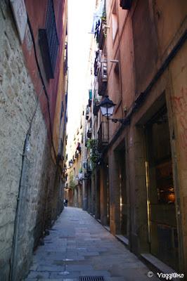 Vie medievali nel quartiere della Ribera