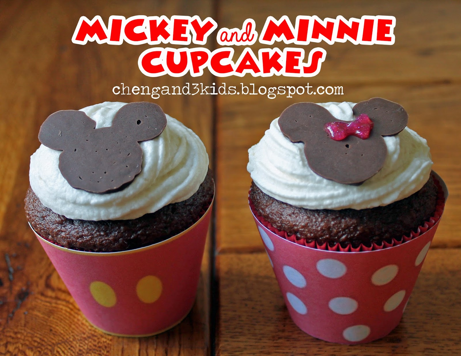 Mickey and Minnie Mouse Cupcakes by chengand3kids.blogspot.com