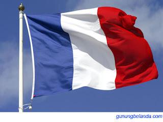 Apakah Ada Warana Merah Pada Bendera Perancis