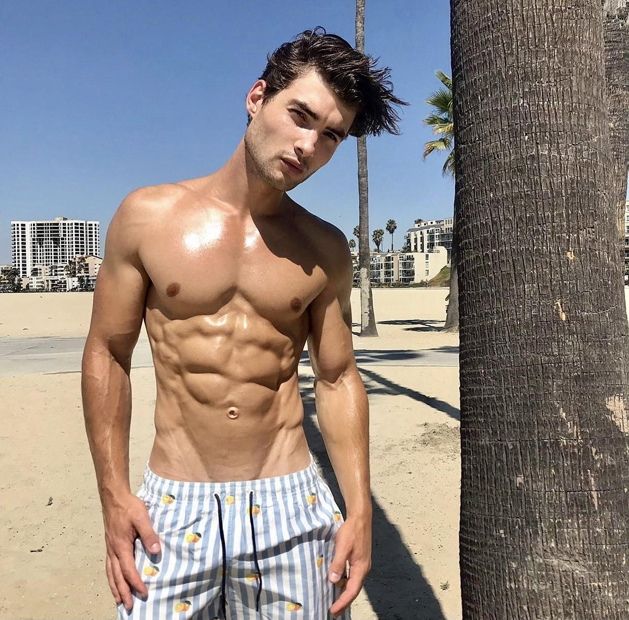 cute-beach-gay-twinks-fit-shirtless-slim-ripped-body-male-model-abs
