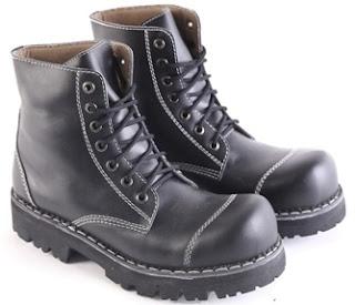 Sepatu Boots Pria Model Touring  L 150