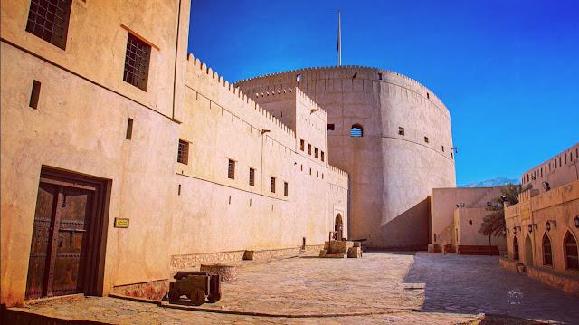 قلعة نوزي، قلعة الأسرار