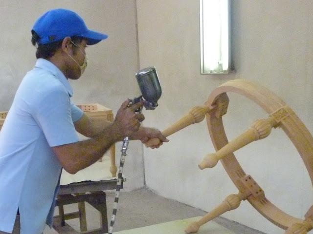 tips cara mewarnai kayu menggunakan teknik finishing melamin