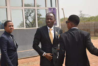 apostle-johnson-suleman-on-his-way-to-dss-headquarters-in-abuja-pictures-4