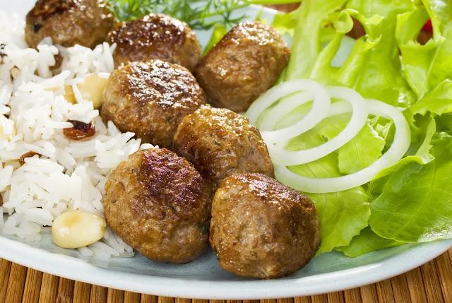 Armenian Style Kufta With Potatoes and Tomatoes
