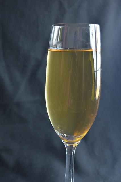pineapple peel wine