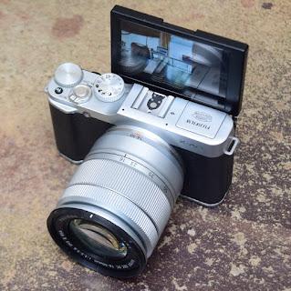 Jual Mirrorless Fujifilm X-A2 Built-in Wi-Fi Fullset