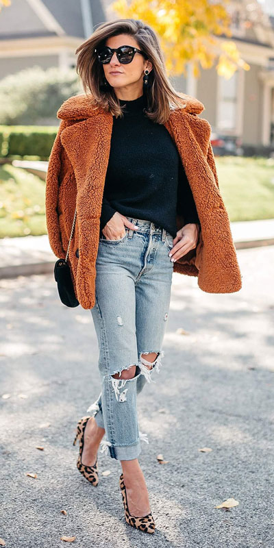 Need Style Inspiration for Fall Season. See these 31 Most Popular Fall Outfits to Truly Feel Fantastic. Fall Style via higiggle.com | jumper | #fall #falloutfits #fashion #jumper