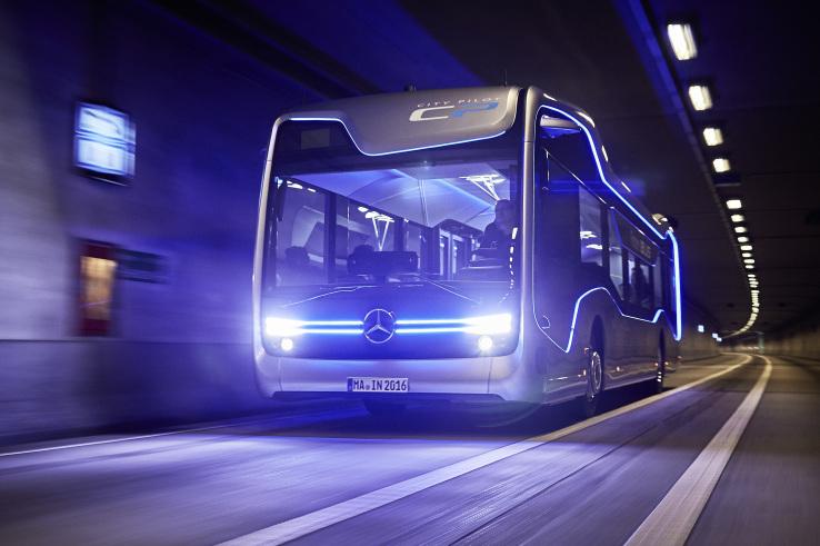 City Pilot, l'autobus a guida autonoma di Mercedes-Benz | Video HTNovo