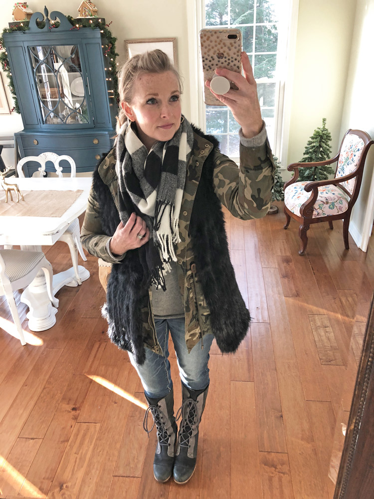 camo jacket with fur vest and skinny jeans
