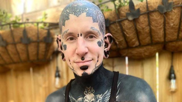 Парень показал, каким был без тату 16 лет назад, и это два совершенно разных лица