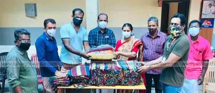 Nanma maram donated bedsheets to Madikkai COVID Care Center