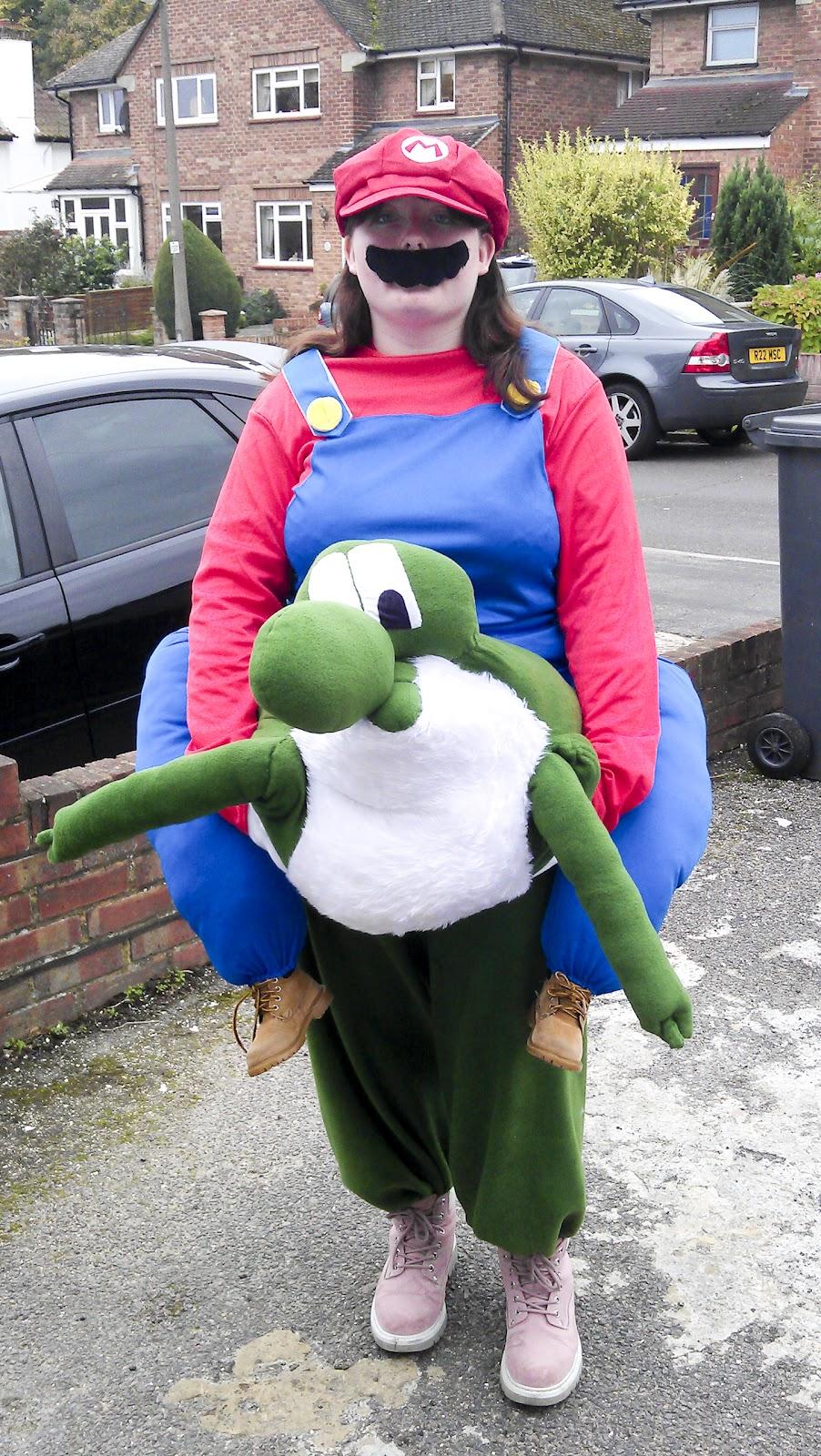 Kjg Cosplay Sunday 30th October 2011 Mario Riding Yoshi