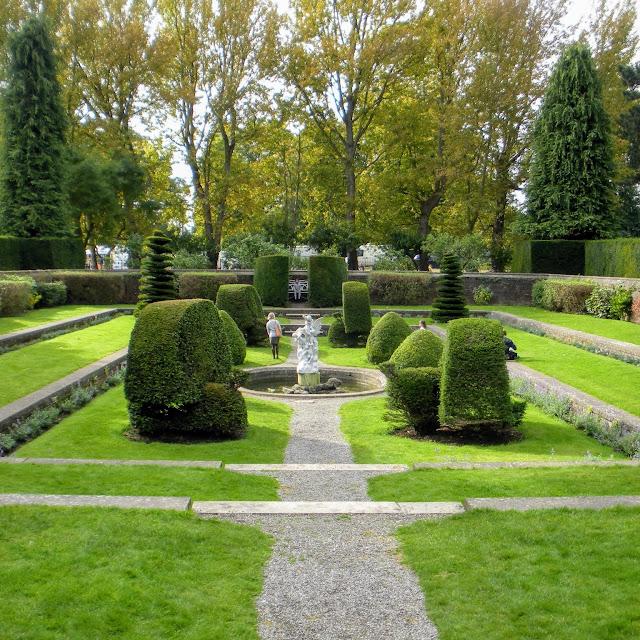 One Day in Dublin: sunken garden at Farmleigh House