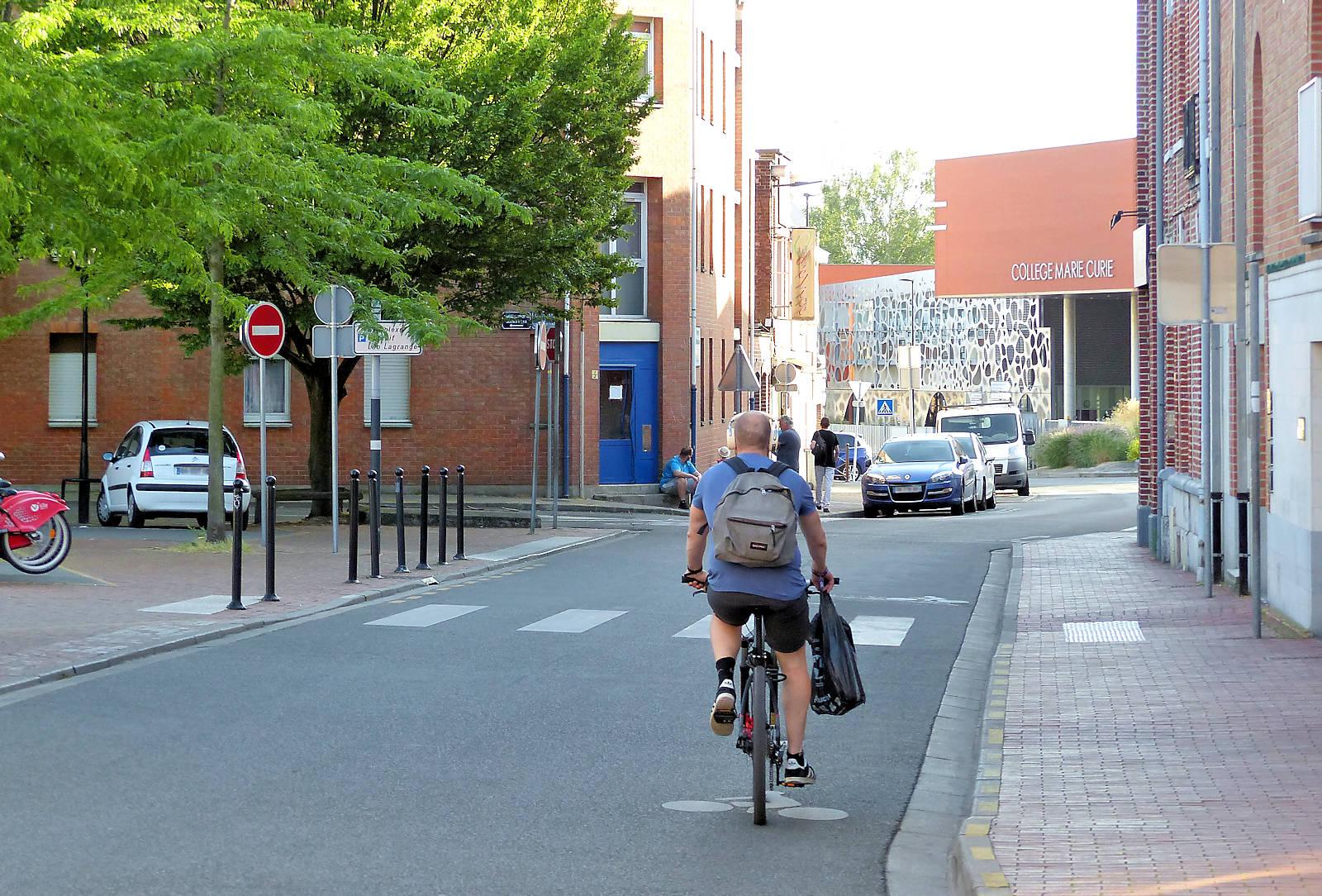 Rue des Anges, Tourcoing - Sens unique et piste cyclable