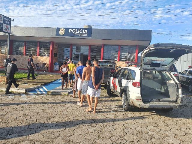 Polícia Civil prende sete pessoas durante desdobramento de investigação no combate à organização criminosa atuante no tráfico em Cananéia