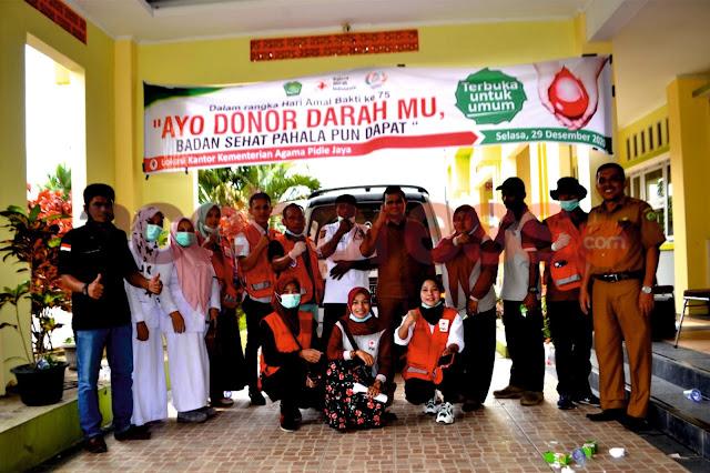 Dalam Rangka HAB, Kemenag Pidie Jaya Laksanakan Kegiatan Donor Darah Bersama