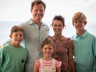 Andy Hubbard with his wife Stephanie and their 3 Kids
