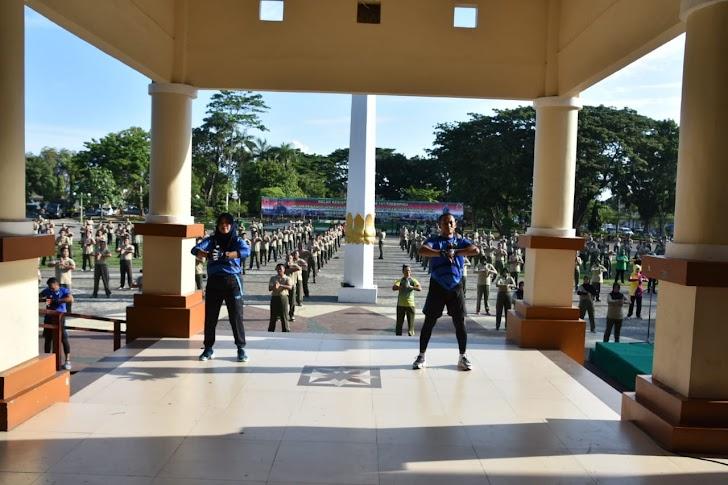 Kolonel Inf Suwarno, Ikut Senam Body Combat Bersama Personel dan PNS Korem 141/Tp