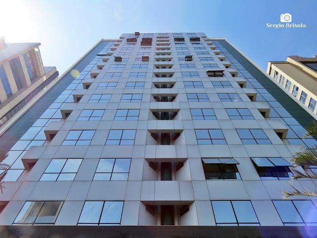 Perspectiva inferior da fachada do Edifício Paulista Tower - Vila Mariana - São Paulo
