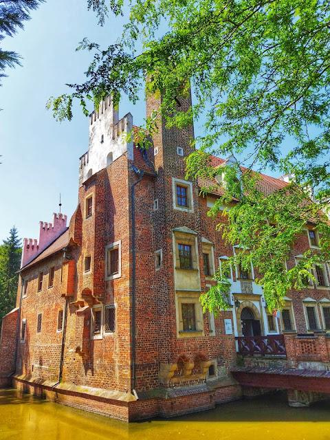okolice Wrocławia, co zobaczyć, pałac na wodzie Wojnowice