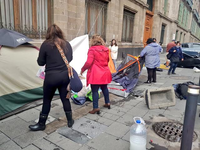 SUTNOTIMEX levanta plantón en Palacio Nacional
