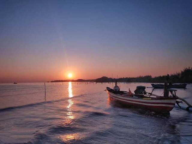 Explore Pantai Bahak Indah PBI Tongas, Nikmati Sunset dan Panorama Laut Yang Indah