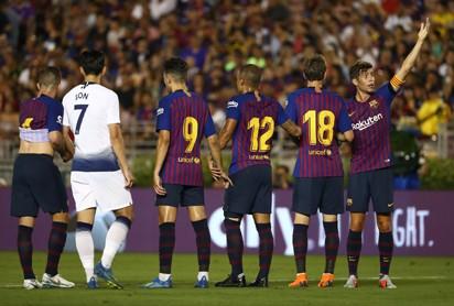 Barcelona held at Valencia as Sevilla go top in Spain