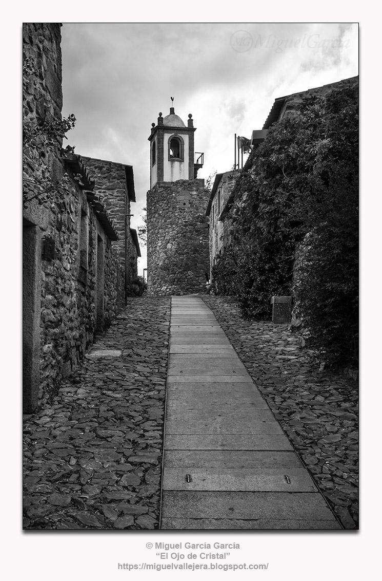 Castelo Rodrigo, Rua do Relógio.