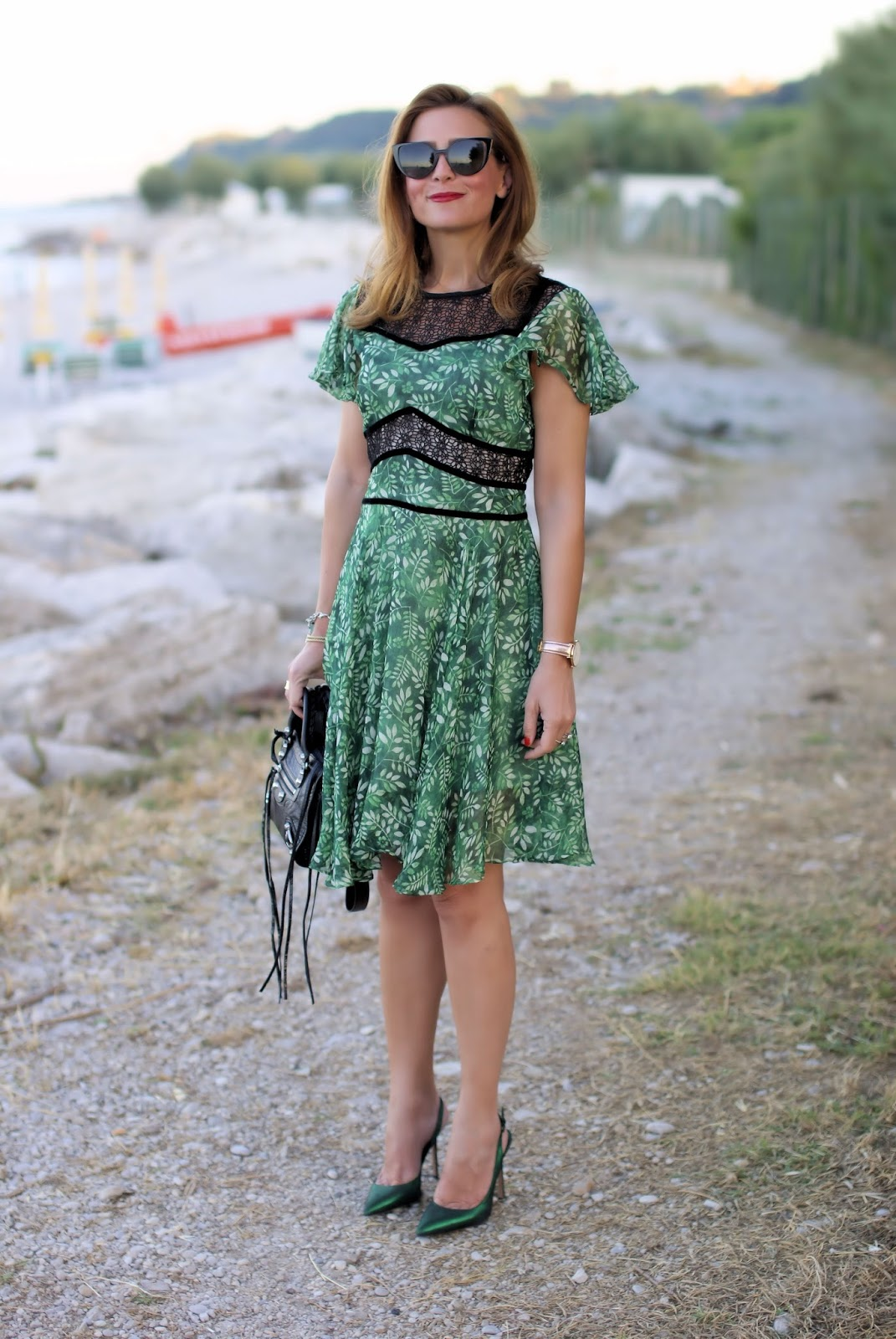 Green chiffon dress, Metisu Flutter sleeves hollow out leaves print dress on Fashion and Cookies fashion blog, fashion blogger style
