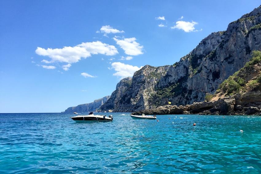 Am Rückweg genossen wir die Nachmittagssonne und schwammen ein letztes Mal im türkisblauen Meer.