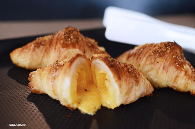 Golden Liu Sa Mini Croissant