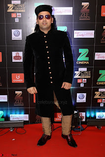 Bollywood Celebrities on the Red Carpet Of Zee Cine Awards 2017 Exclusive 040.JPG