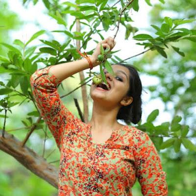 Malayalam Actress Niranjana Anoop HD Photos   IMAGES, GIF, ANIMATED GIF, WALLPAPER, STICKER FOR WHATSAPP & FACEBOOK