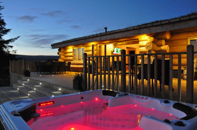 20 lodges with hot tubs within a 2 hour drive of Newcastle Upon Tyne - Mount Hooley Lodge