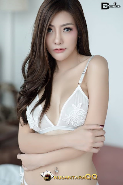 7 Foto Model Sexy Hot Wannaporn Laomoon