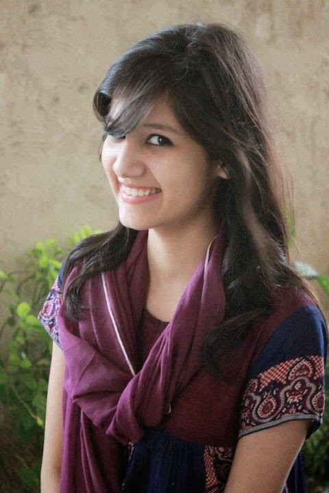 Beautiful Desi Sexy Girls Hot Videos Cute Pretty Photos Lovely Lahore College Girls Hot Cute Photos-5921