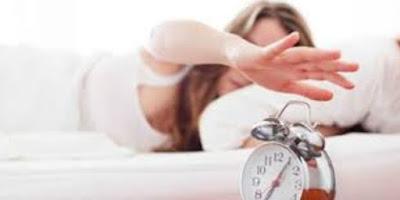 4 Hal yang Tidak Boleh Anda Lakukan saat Bangun Tidur di Pagi Hari
