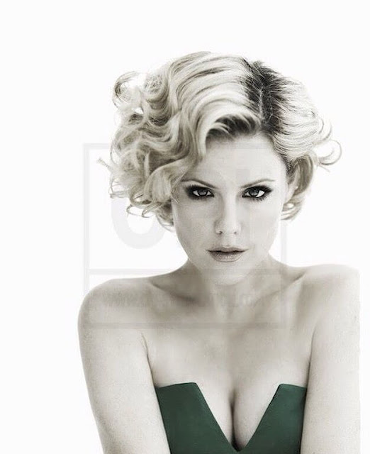 Kathleen Robertson Hot Pics and Bio