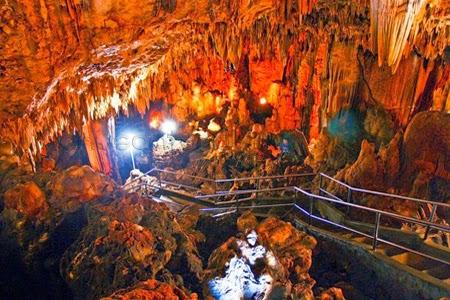 Wisata Goa Gong Kabupaten Pacitan