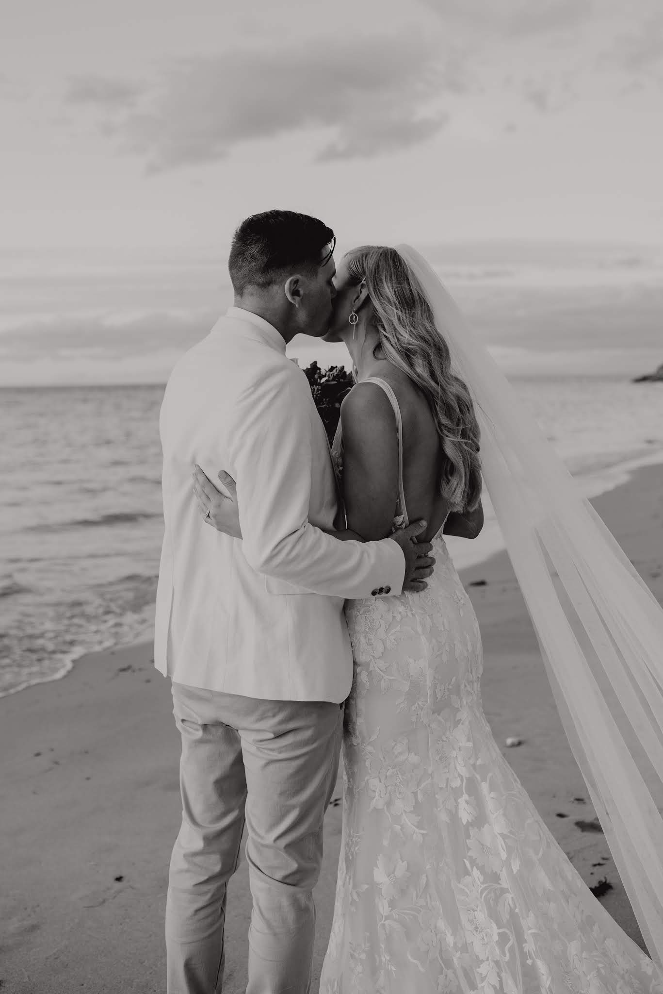 LOVE: LUCY & TIMOTHY   REAL WEDDING PORTSEA HOTEL VIC