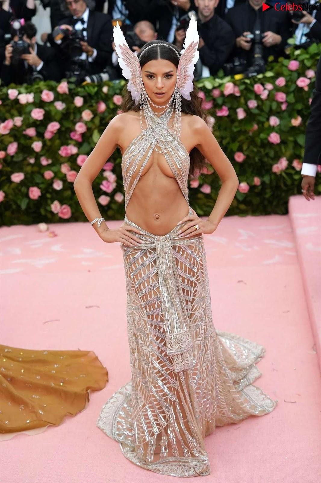 Emily Ratajkowski Expising her beautiful tits at 2019 MET Gala in NYC CelebSneXt.xyz Exclusive Pics