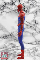 MAFEX Spider-Man (Peter B Parker) 19