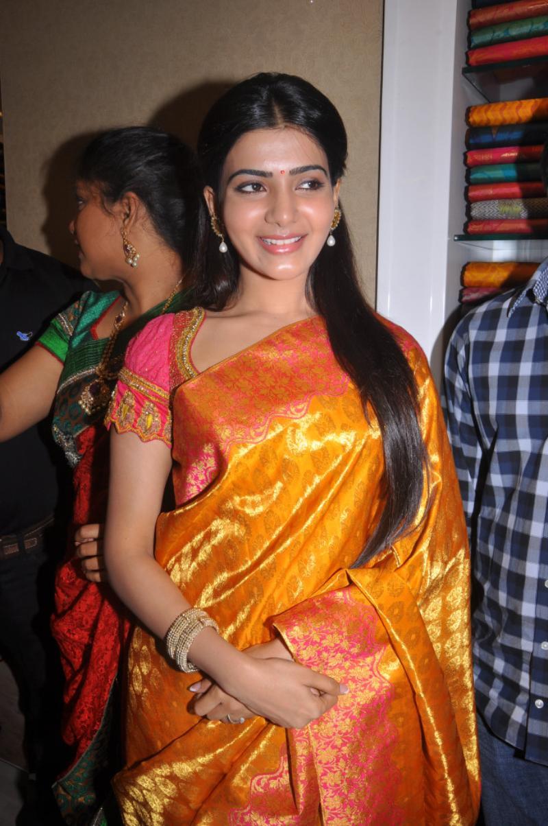 Tamil Amp Telugu Cute Actress Samantha In Silk Saree New