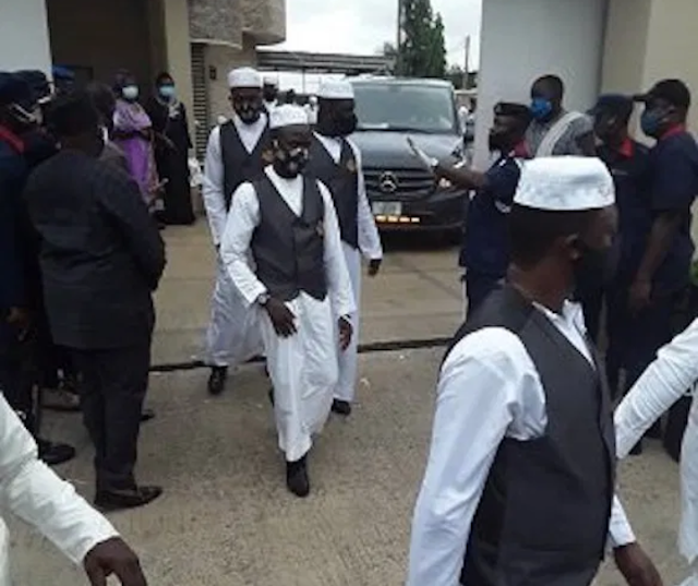 Former Oyo Governor Abiola Ajimobi laid to rest at his Oluyole residence (Photos)
