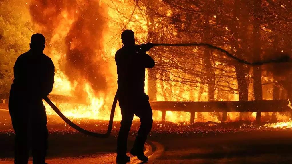 «Κανείς μας δεν θέλει να γίνει ήρωας. Καλό παράδεισο ψυχούλες»: Συγκλονίζει το μήνυμα πυροσβέστη που ρίχτηκε στη μάχη με τις φλόγες