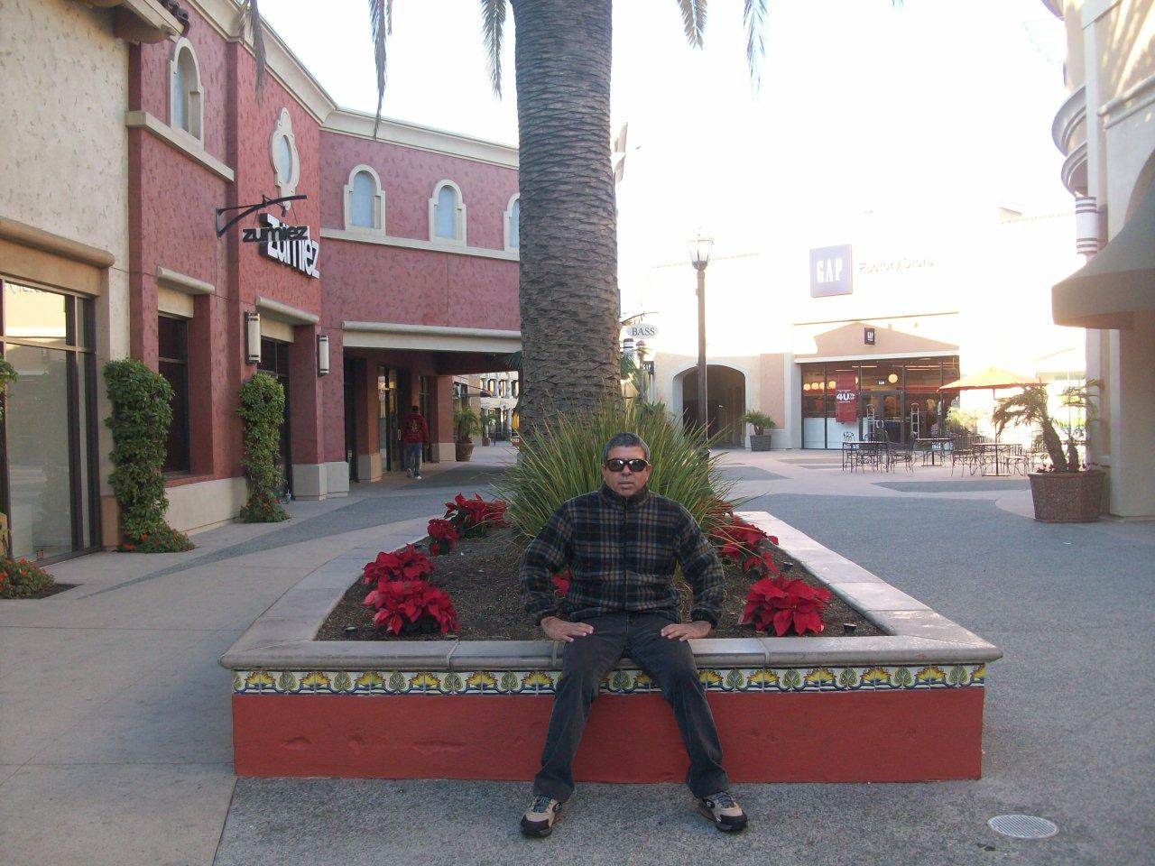 Home>Browse Jobs>Jobs in the United States>Jobs in California> San Ysidro, CA San Ysidro Jobs. Camino de la Plaza San Ysidro, CA Retail Security Guard - Las Americas Premium Outlets. Allied Universal. San Ysidro, CA San Ysidro, CA. Apply. Host or .