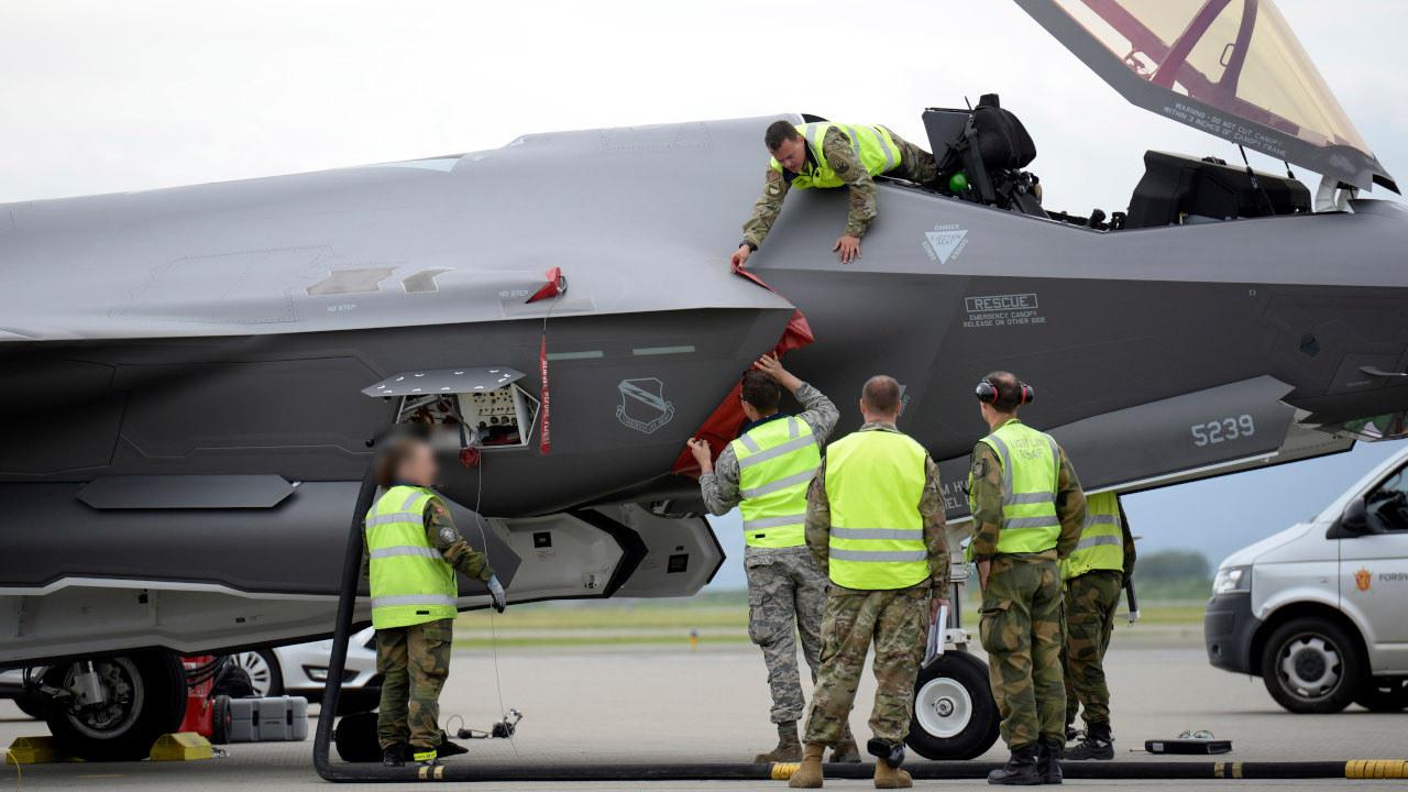 """الطائرة المقاتلة """"إف 35 جوينت سترايك فايتر""""F-35 Joint Strike Fighters""""  - ميزانية الجيش الأمريكي 2021"""